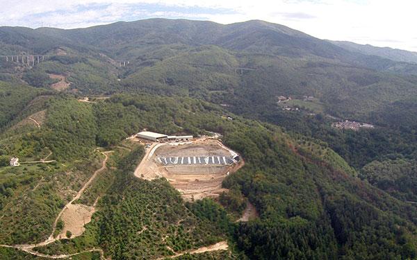 Discarica di celico m5s presenta esposto in procura il for Parlamentari calabresi